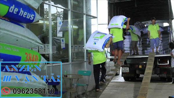 van tai anzen 8aq 1 - Vận chuyển thức ăn chăn nuôi đi Phú Thọ