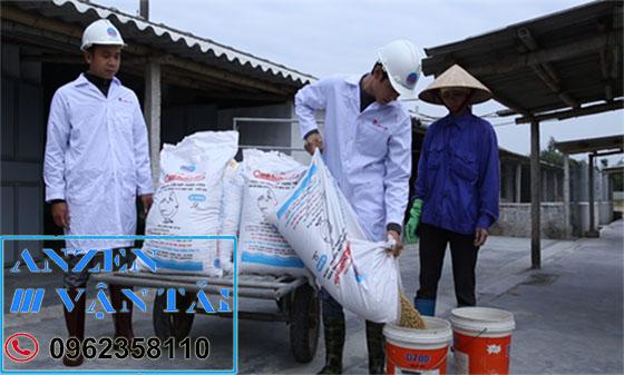 Vận chuyển thức ăn chăn nuôi đi Kon Tum