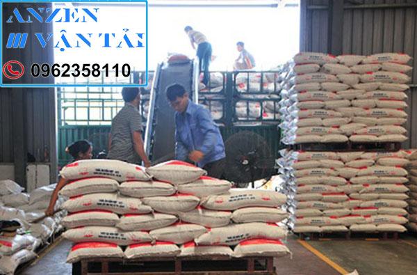 Vận chuyển thức ăn chăn nuôi đi Nha Trang