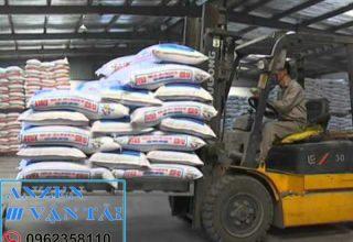 Vận chuyển thức ăn chăn nuôi đi Điện Biên
