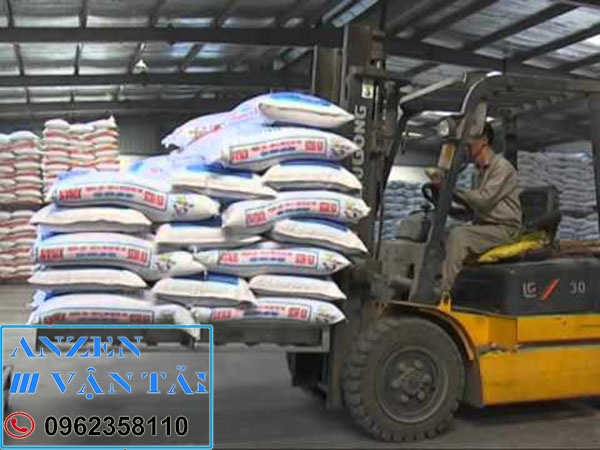 Vận chuyển thức ăn chăn nuôi đi Đăk Nông